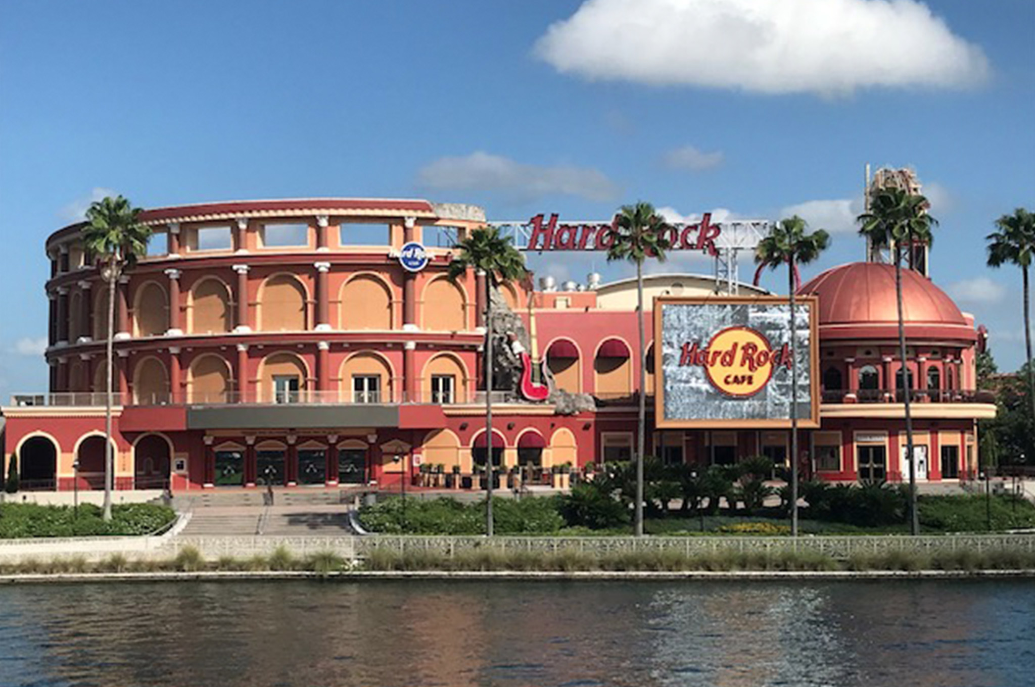 Hard Rock Cafe on the water